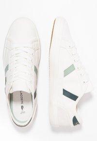 Lacoste - SIDELINE - Sneaker low - offwhite/dark green - 3