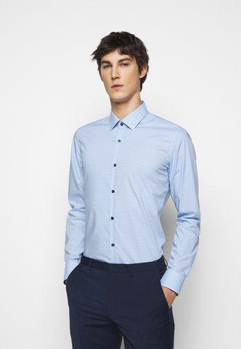 KOEY  - Koszula - light pastel blue