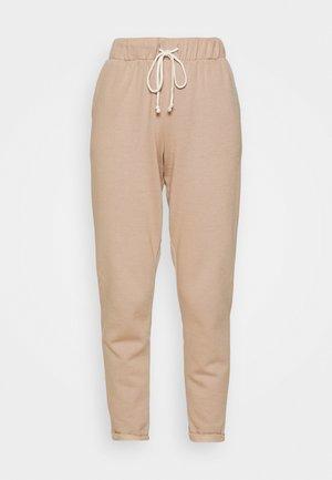 BASIC - Teplákové kalhoty - camel