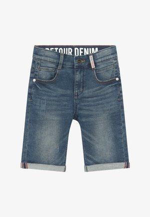 LOEK - Denim shorts - medium blue denim