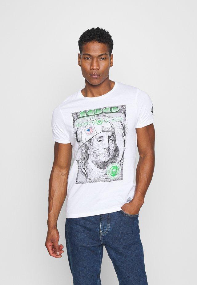 FRANKLIN - T-shirt z nadrukiem - optic white