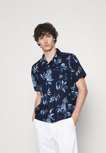 CLASSIC FIT PINEAPPLE-PRINT CAMP SHIRT - Skjorte - blue