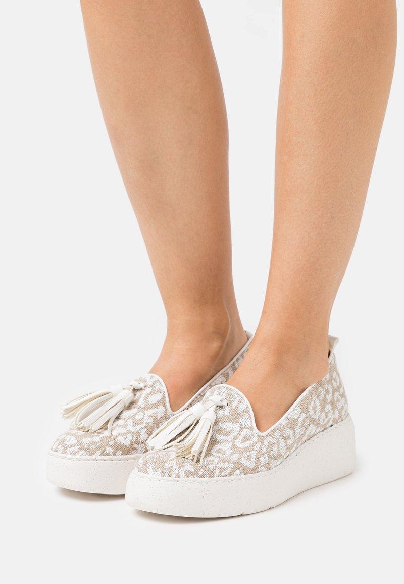 Wonders Green - Platform heels - blanco