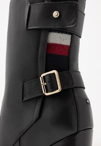 Tommy Hilfiger - MODERN BLANKET HIGH BOOTIE - High heeled ankle boots - black - 2