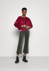 Alpha Industries - TIPPED - Bomber Jacket - major red - 1