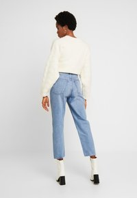 Weekday - MEG HIGH MOM WASHED BACK - Jeans straight leg - air blue - 2