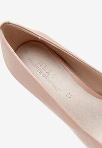 Next - BLACK SUEDE COURT SHOES - High heels - beige - 6