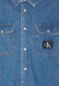Calvin Klein Jeans - OVERSIZED SHIRT - Overhemd - mid blue - 7