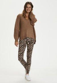 Kaffe - KAPAPPI  - Legging - brown leo print - 1