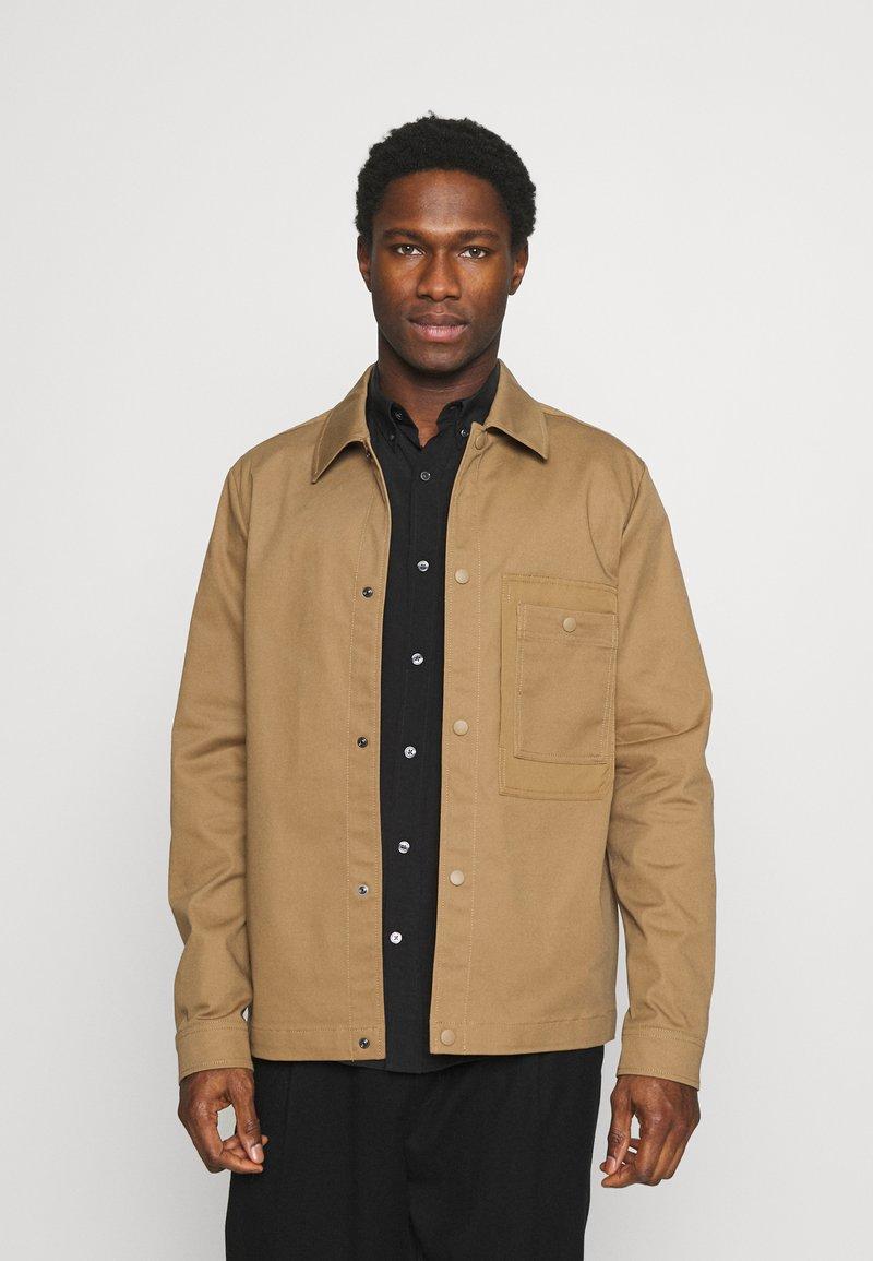 Selected Homme - SLHMORRIS JACKET - Summer jacket - otter