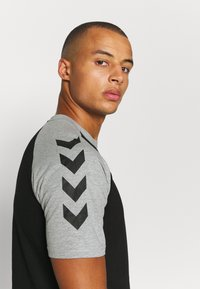 Hummel - T-shirts print - black - 3