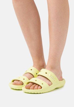 CLASSIC  - Sandály do bazénu - lime zest
