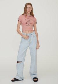 PULL&BEAR - Print T-shirt - mottled pink - 1