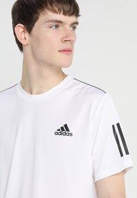 adidas Performance - CLUB TEE - T-shirt imprimé - white/black - 4