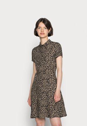 PRINTED DRESS - Skjortklänning - beige