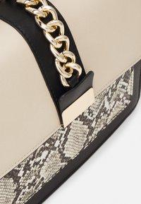 Even&Odd - Handbag - taupe/black - 3