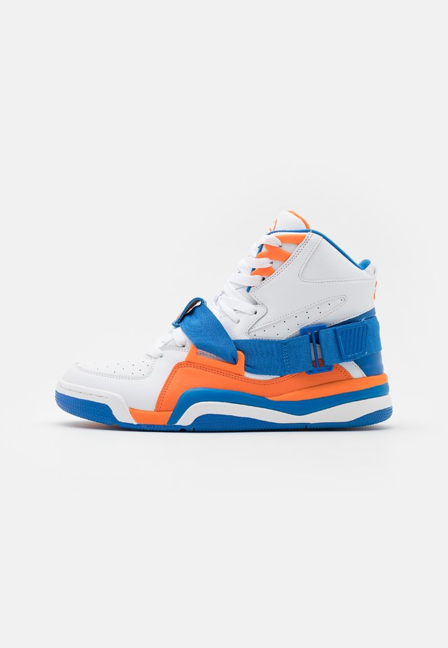 CONCEPT - High-top trainers - white/royal orange