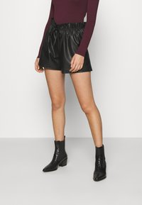 Miss Selfridge - PU PAPERBAG  - Shorts - black - 0