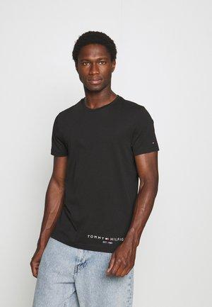 LOGO TEE - T-shirt med print - black