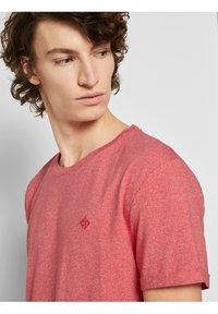 TOM TAILOR DENIM - Basic T-shirt - normal red melange - 3