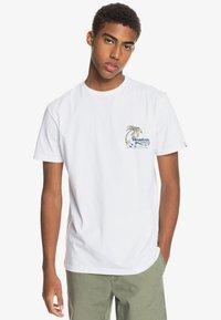 Quiksilver - ANOTHER ESCAPE - Print T-shirt - white - 2