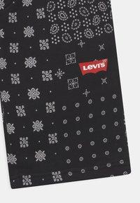 Levi's® - LOGO - Shorts - black/white - 2