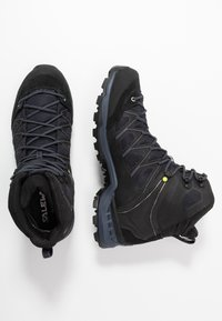 Salewa - MTN TRAINER LITE MID GTX - Hiking shoes - black