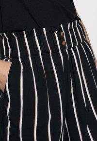 TOM TAILOR DENIM - Shorts - black/beige - 3
