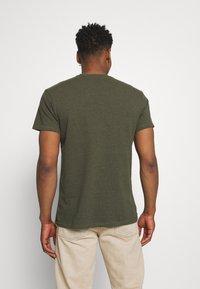 REVOLUTION - LOOSE FIT POCKET - Basic T-shirt - army melange - 2
