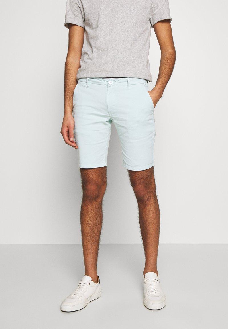 Bruuns Bazaar - DENNIS POUL - Shorts - ice