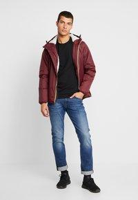 K-Way - UNISEX CLAUDE ORESETTO - Light jacket - red amaranto - 1