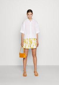 Faithfull the brand - ONDINE - Shorts - yellow - 1