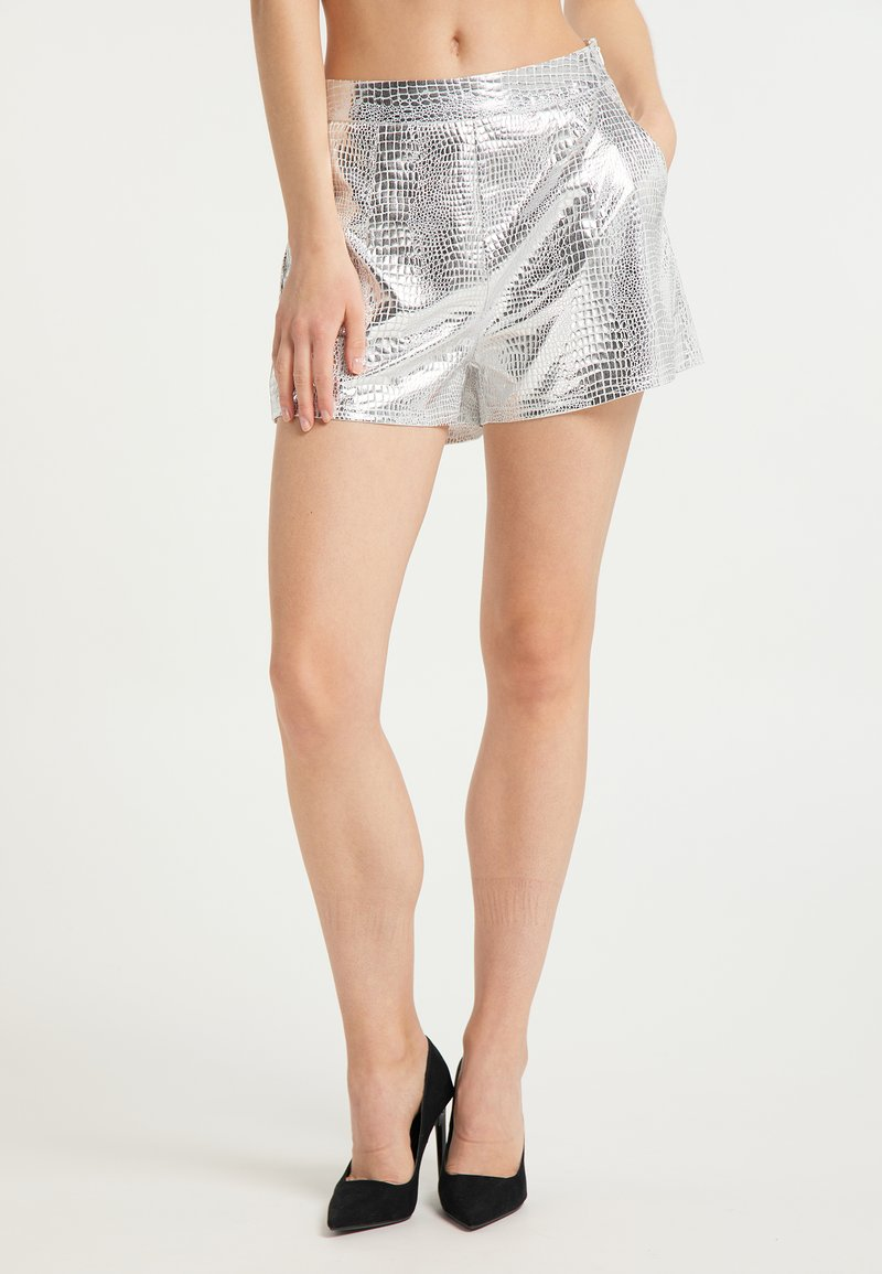 faina - Shorts - silber