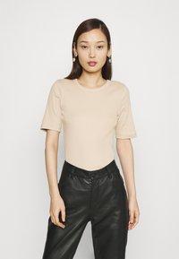 Gina Tricot - JOY - T-shirt basic - oxford tan - 0