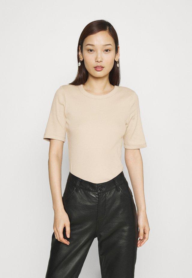 JOY - T-shirt basic - oxford tan