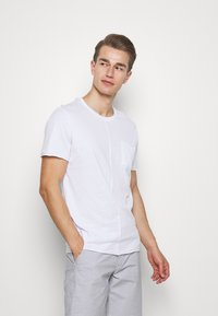 Pier One - Camiseta básica - white - 0