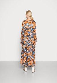 Emily van den Bergh - Day dress - black orange - 2