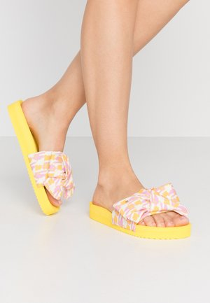 POOL BOW PAINT - Mules - sun yellow