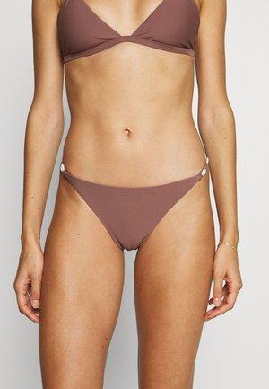 SEA SHELL DETAIL THIN STRAP PANTY - Bikini pezzo sotto - rose taupe