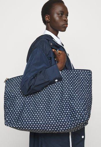 JET SET TRAVEL PACKABLE TOTE SET - Tote bag - navy