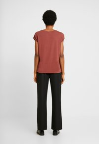 Vero Moda - VMAVA PLAIN - T-shirt basic - sable - 2