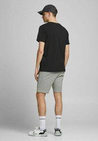 Jack & Jones - 2 PACK - Shorts - black, mottled black, grey - 2