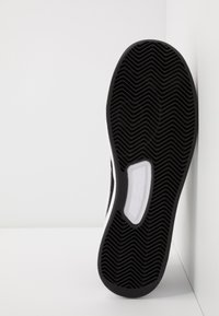 Nike SB - ADVERSARY UNISEX - Skateskor - black/white - 4