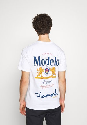 DIAMOND ESPECIAL TEE - Print T-shirt - white