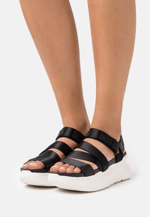 LA SHORES - Platform sandals - black