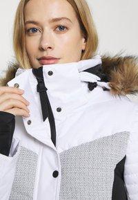 Superdry - SNOW LUXE PUFFER - Skijakke - white - 9