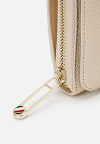 Tommy Hilfiger - SMALL CROSSOVER - Across body bag - beige - 3