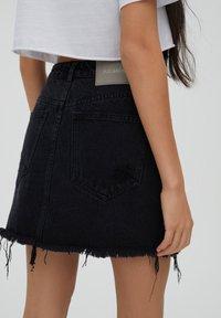 PULL&BEAR - Áčková sukně - black - 4