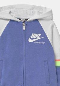 Nike Sportswear - HERITAGE  - Mikina na zip - royal pulse - 2