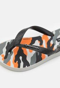 Ipanema - CLASSIC IX KIDS - Pool shoes - grey/black/orange - 5